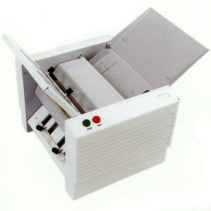 CFM 4 / 500 מכונת קיפול נייר A4